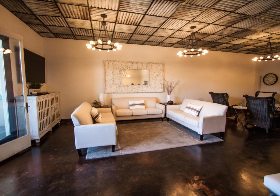 TV & Lounge Area